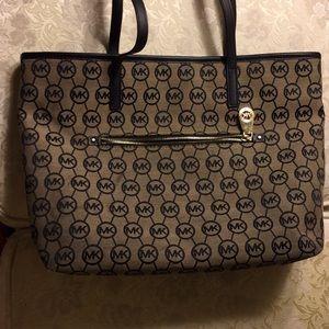 Michael Kors Handbag Purse large.